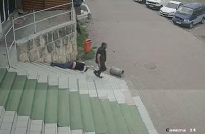 Помста за сина: чоловіку, який у Чернівцях вчинив убивство посеред вулиці, «світить» 15 років