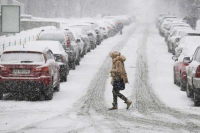 Синоптики розповіли, коли в Україні закінчаться снігопади