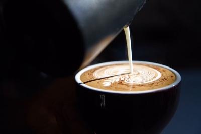 Коли пити каву — вранці або вдень? Вчені дали відповідь