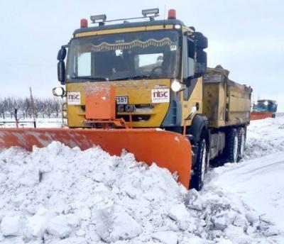 Снігова негода на Буковині: які дороги залишаються непроїзними