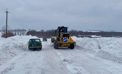 Снігова негода на Буковині: в ОДА назвали непроїзні дороги