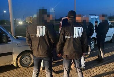 Хабар 100 тисяч гривень: ДБР повідомило про підозру трьом посадовцям лісгоспу на Буковині