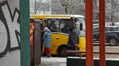 Перевізники просили мера Чернівців підняти вартість проїзду у маршрутках на одну гривню