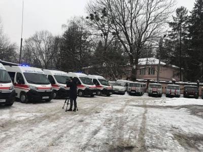 Кожна машина по 2 мільйони: Чернівці отримали сучасні карети швидкої допомоги – фото