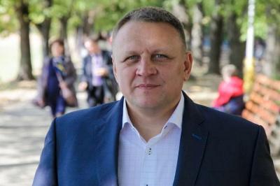 «Стає соромно»: священник закликав кандидата в депутати припинити агітацію в церквах