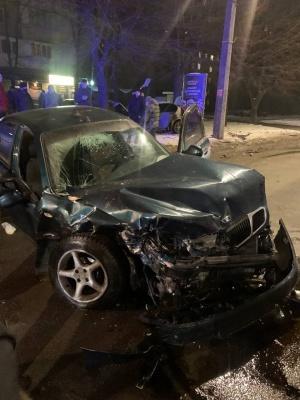 ДТП у Чернівцях: біля онколікарні зіткнулись два авто, є постраждалі