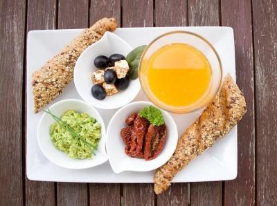 Сніданок, який знизить рівень холестерину та зменшить ризик розвитку серцево-судинних захворювань