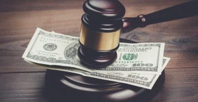 Три тисячі доларів хабаря за «відкос» від армії: на Буковині судитимуть хірурга районної лікарні