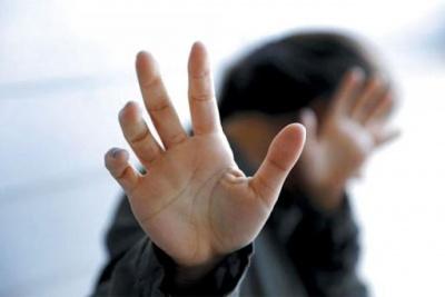 Наніс кілька ударів: буковинцю загрожує 2 роки в'язниці за побиття сестри
