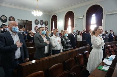 «Команда Михайлішина» та «Рідне місто» офіційно стали депутатами Чернівецької міськради – фото