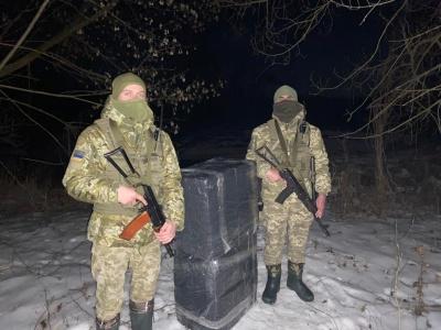Зупиняли пострілами: на Буковині прикордонники розшукують контрабандистів