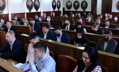 «Не перетягуйте килим»: депутати Чернівецької міськради поскандалили через Стерненка й Порошенка