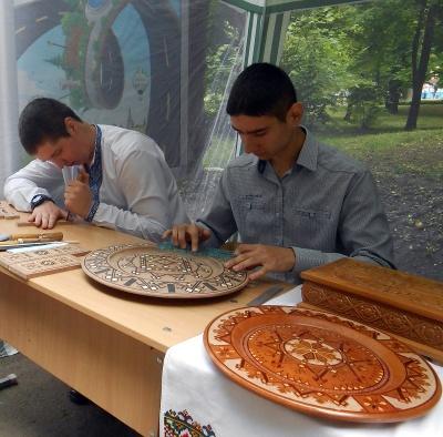 Вище професійне художнє училище №5 м.Чернівці запрошує студентів на навчання у 2021-2022 н. р.*