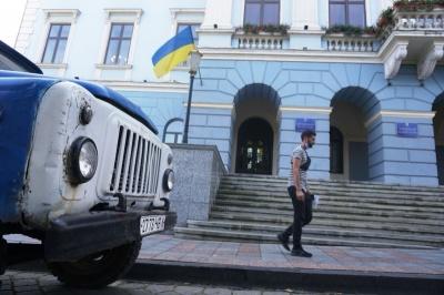 Чернівецька міськрада планує продати 6 машин зі свого автопарку