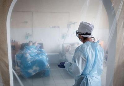 Кисню на всіх не вистачає: медик розповіла про шокуючу ситуацію з ковід-хворими у лікарні Чернівців