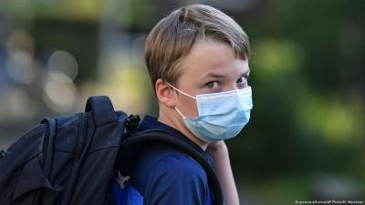 Медики розповіли про можливі причини стрімкого зростання COVID-19 серед дітей і медиків