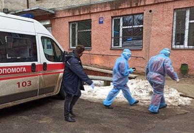 Ліжок не вистачає: ковід-хворих з Чернівців почали госпіталізовувати до двох райлікарень