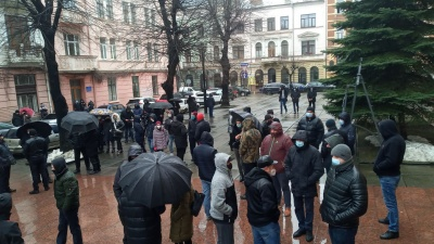 Підприємці хочуть працювати: у Чернівцях розпочалася акція проти «червоної зони» - фото