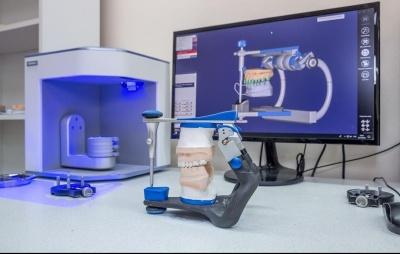 Як можна набути лікарського досвіду і автоматизувати роботу: у Чернівцях запустили круту онлайн-платформу для стоматологів і зубних техніків!*
