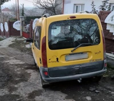 ДТП із потерпілими у Чернівцях: водій Renault збив двох підлітків