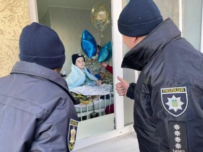 Волонтерка з Чернівців розповіла про стан важкохворого хлопчика, якого посвятили у патрульні