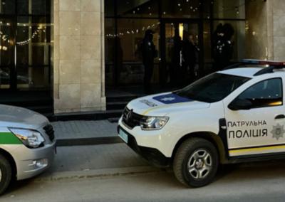 У центрі Чернівців силовики «навідались» до ресторану, який працював попри карантин