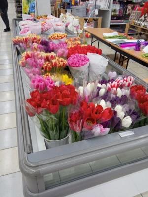 Свято весни, а в АШАН – квіти!*