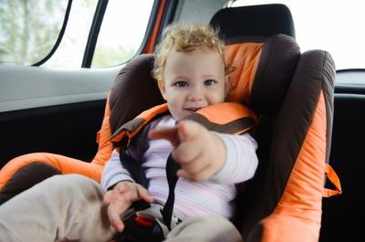 В Україні почали діяти нові правила перевезення дітей у авто: що треба знати водіям