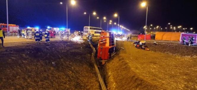 Смертельна ДТП у Польщі: рейсовий автобус злетів із дороги, 6 українців загинули