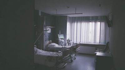 Важких хворих не лікуватимуть: медик про захворюваність на Закарпатті