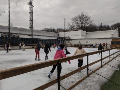 Ковзанка під відкритим небом в Чернівцях незабаром стане футбольним полем