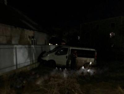 У Чернівцях водій автомобіля врізався у паркан