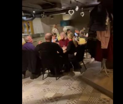 Повний зал людей: які заклади на Буковині порушували карантин - відео