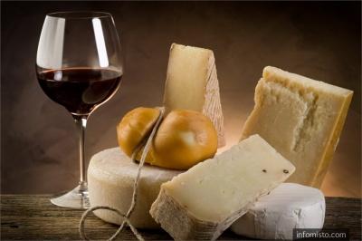 Учені назвали ідеальну закуску до вина