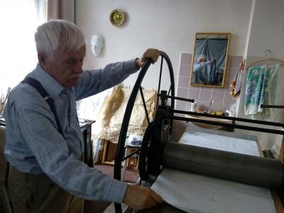 Автор ескізів герба та прапора Чернівців Орест Криворучко у критичному стані в реанімації
