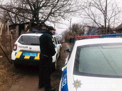 Жорстоке вбивство у Чернівцях: невідомий ударив жінку ножем у груди