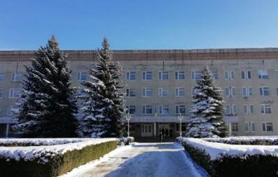 Нема вільних ліжок: ковід-хворих з Чернівців почали госпіталізувати до Хотинської лікарні