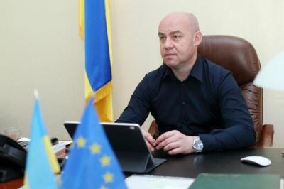 Мер Тернополя пригрозив залишити без води та електрики ресторани, які не дотримуються карантину