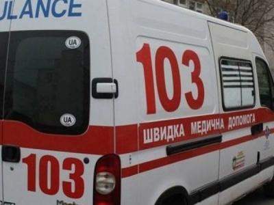 У Чернівцях літня жінка розбилась, випавши з четвертого поверху будинку