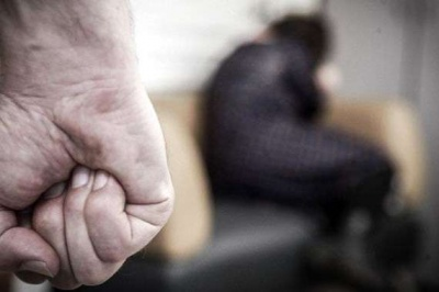 Виганяв із хати і хотів побити: на Буковині оголосили про підозру домашньому дебоширу