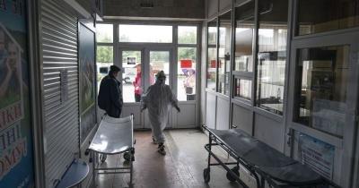 Коронавірус в Україні зірвався з ланцюга: що відбувається і чого чекати від COVID-19 далі