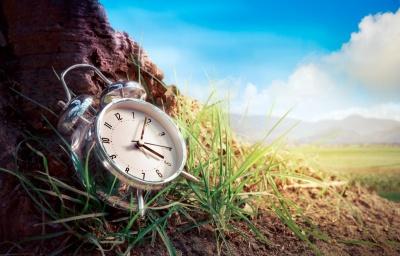 Перехід на літній час 2021: коли та як в Україні перемістять стрілки годинників