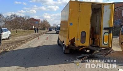 Виїхав на зустрічну смугу: в поліції розповіли подробиці аварії на Комунальників в Чернівцях