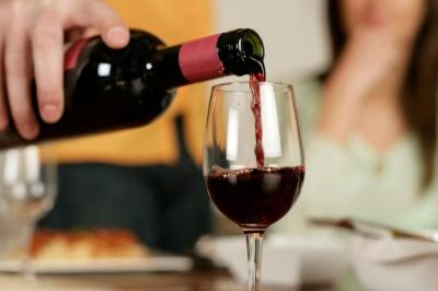 Червоне вино і схуднення: друзі чи вороги