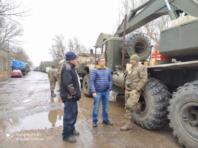 «Звідти стріляють, ми відповідаємо»: чернівецький волонтер розповів про ситуацію на Донбасі