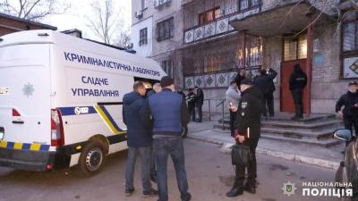 У центрі Миколаєва в орендованій квартирі застрелили жінку: поліція показала фото з місця події