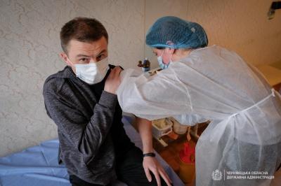 «А я вже перехворів»: лікарка з Чернівців заперечила популярний міф про вакцинацію від коронавірусу