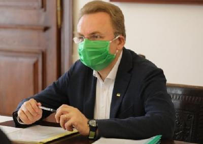 «Стоїмо перед питанням про закриття міста»: Садовий про ситуацію з коронавірусом у Львові