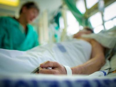 Медик назвав нове ускладнення від коронавірусу: вже третій випадок в Україні