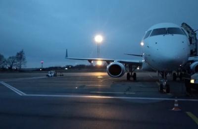 Реконструкція аеропорту «Чернівці» й перевірка у магазині з продажу м'яса. Головні новини 16 березня